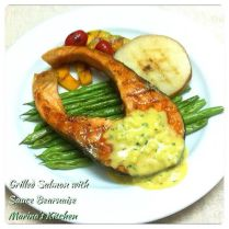 https://marinaohkitchen.wordpress.com/2014/05/05/grilled-salmon-with-sauce-bearnaise/
